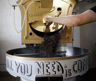 Kaffee roesten im Roestofen vom Microroaster